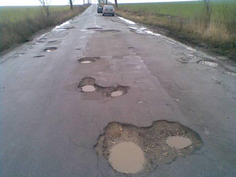 gropi in asfalt Botosani