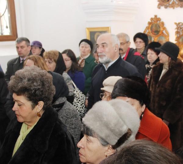 Varujan Vosganian la Biserica Armeana din Botosani