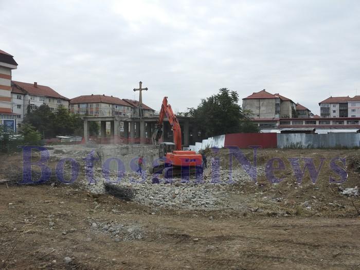 blocuri bazar demolate Botosani
