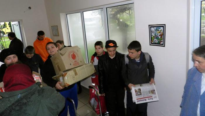 ajutoare pentru batranii de la Leorda Botosani