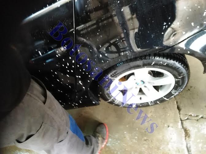 masina lui Dan Dobos- murdarita cu vopsea de muncitorii de la Conrec- Botosani