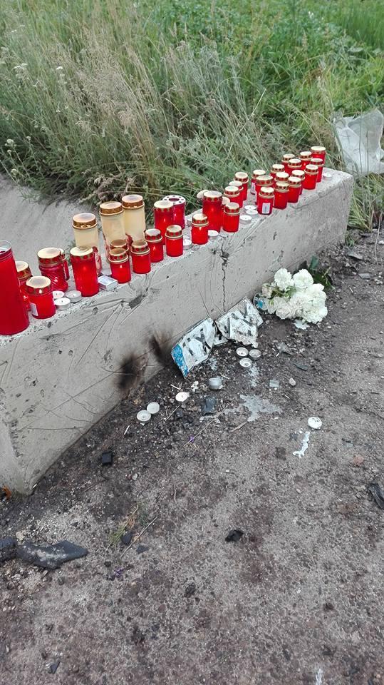 flori la locul unde a murit Vlad Andries- Suharau- Botosani