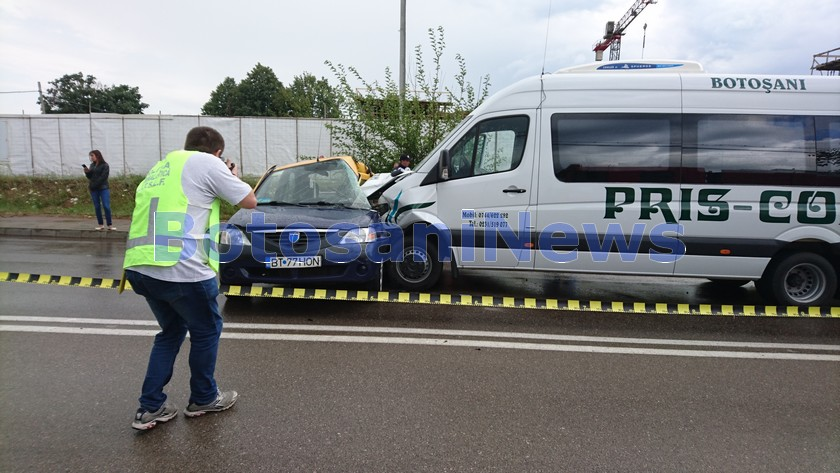 accident microbuz taxi - alfa land- botosani