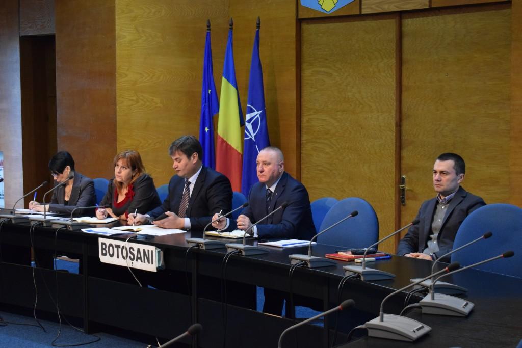 discutii intre prefectul Dan Slincu si sindicate si patronate pe tema codului fiscal botosani (3)