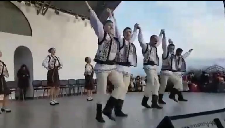 dansatori din republica moldova la pomarla, botosani, stiri