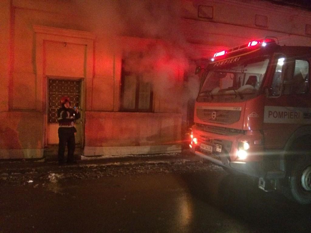 incendiu, stiri, botosani, pompieri, centrul vechi (1)