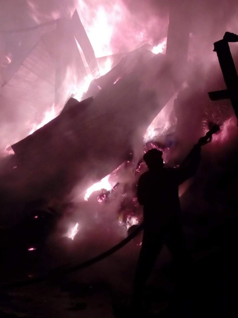 incendiu, furaje, stauceni, victoria, stiri, pompieri, botosani noaptea (4)