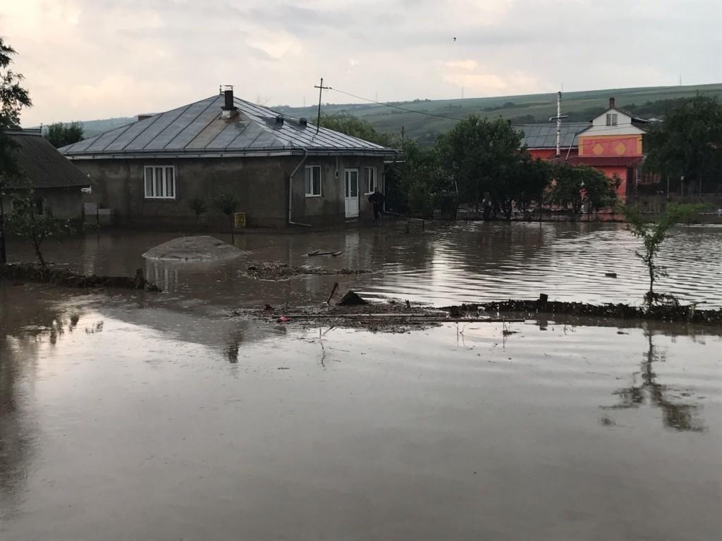inundatii, valea ciolpanilor, drislea , stiri , botosani , trusesti