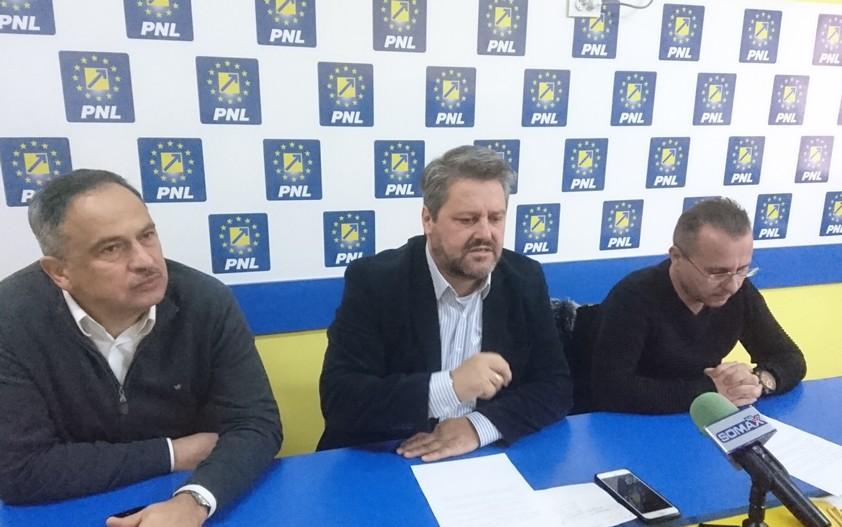 conferinta de presa PNL, stiri, botosani, Viorel Iliuta, Gheorghe Sorescu, Catalin Rotundu
