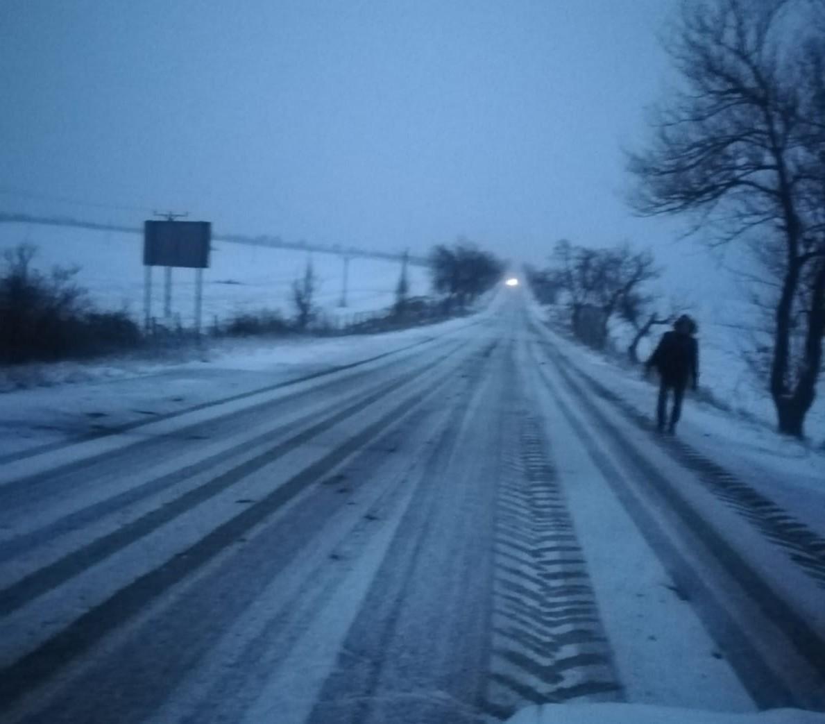 asa arata duminica dimineata drumul Botosani- Siret, la Cucorani