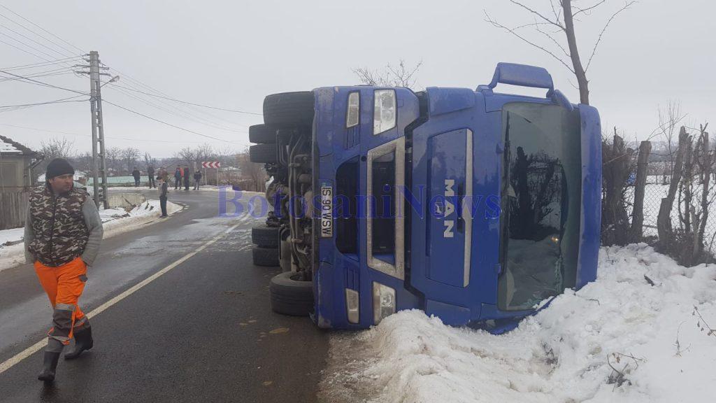 camion rasturnat la Liveni - Botosani