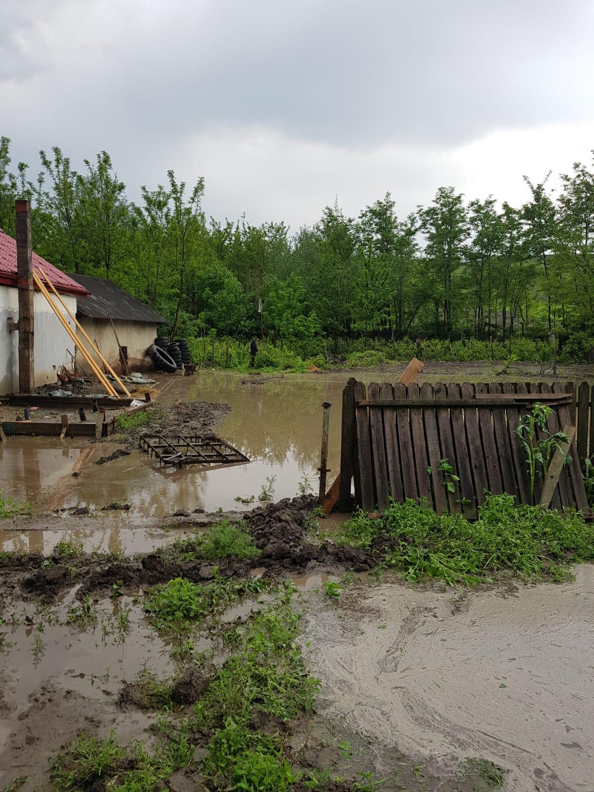 inundatii case Iacobeni- Dangeni- Botosani