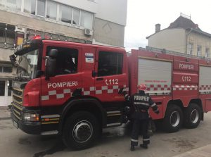 pompieri la bloc din Dorohoi- Botosani