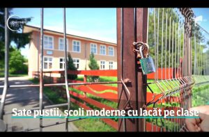 scoala cu lacatul pe usa la Botosani